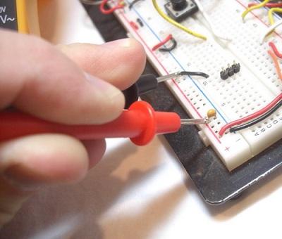 Cómo usar un Multímetro - MCI Capacitación